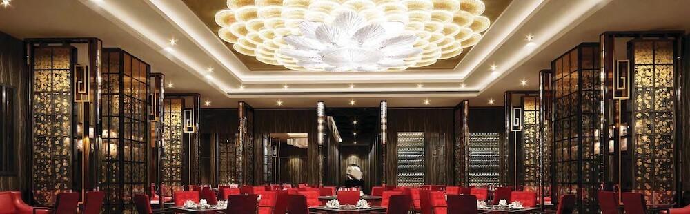 lotus palace restaurant